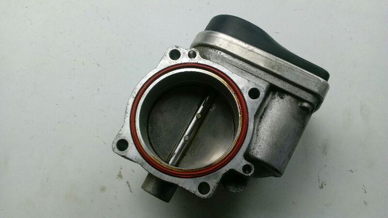01 330i throttle body